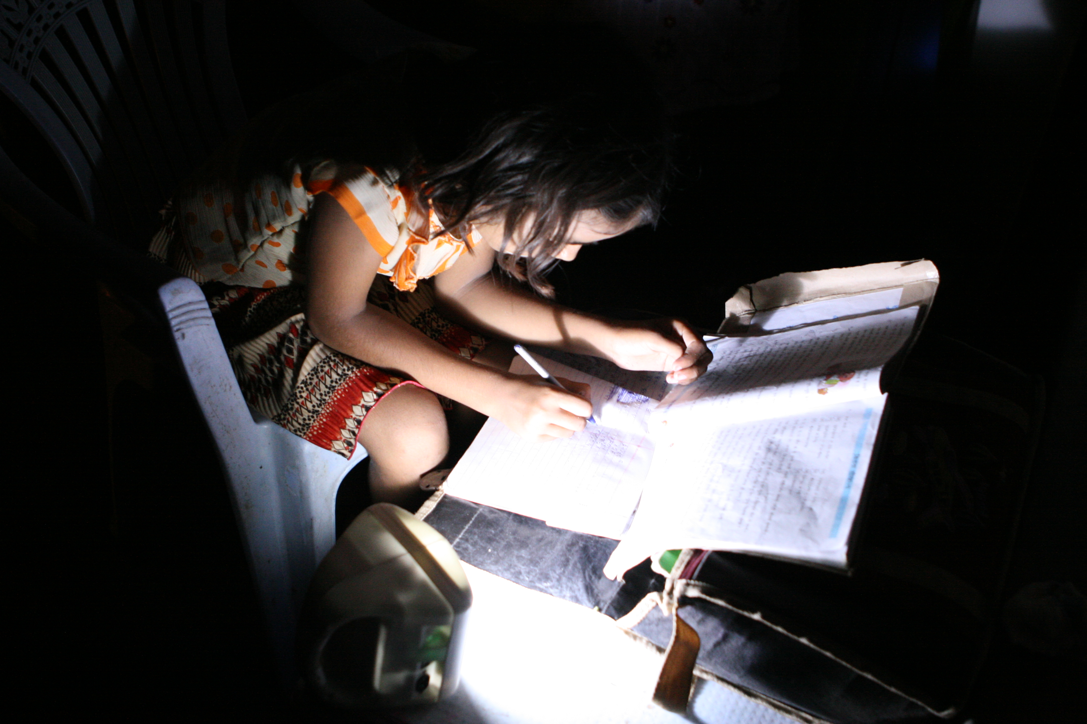 India-Girl-studying-with-d.light_