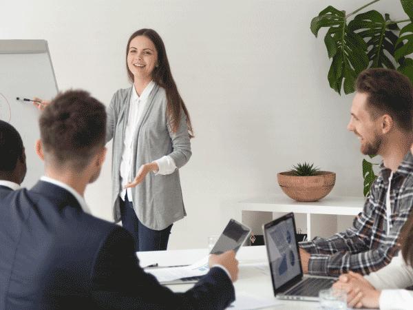 เทคนิค พิชิต โบนัส บริหาร เจ้า นาย ให้ เรา ได้ ผล งาน หักสูตร ฝึก อบรม ผู้บริหาร หัวหน้างาน อบรม การสื่อสาร ตั้งเป้าหมาย KPIs พนักงาน strategic thinking lean management